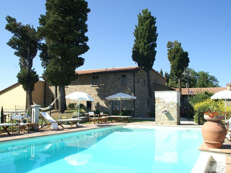 Spacious Holiday Home in Montecarelli with Pool, holiday rental in Pian del Voglio