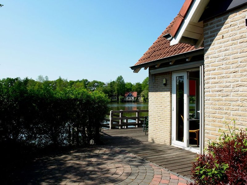 Detached holiday home with WiFi, 20km van Assen, holiday rental in Meppen