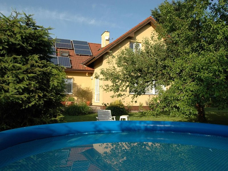 Relaxed Apartment with Pool, Garden, Garden Furniture, holiday rental in Lisny