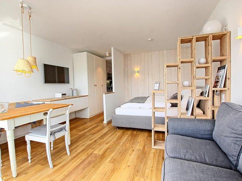 Strandzeit Heiligenhafen Haus am Binnensee Wohnung 37, holiday rental in Oldenburg in Holstein