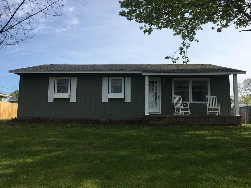 Elk Rapids 3 Bedroom Home, location de vacances à Kewadin