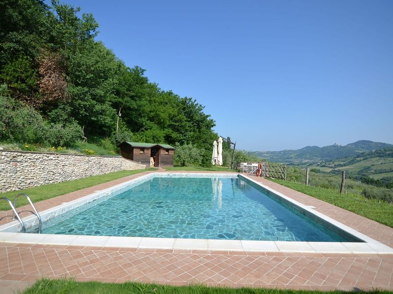 Lovely Holiday Home in Monte Colombo on Farm, vacation rental in Gemmano
