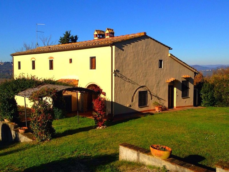 Cozy apartment in a farmhouse with swimming pool, in the Chianti region, holiday rental in San Pancrazio