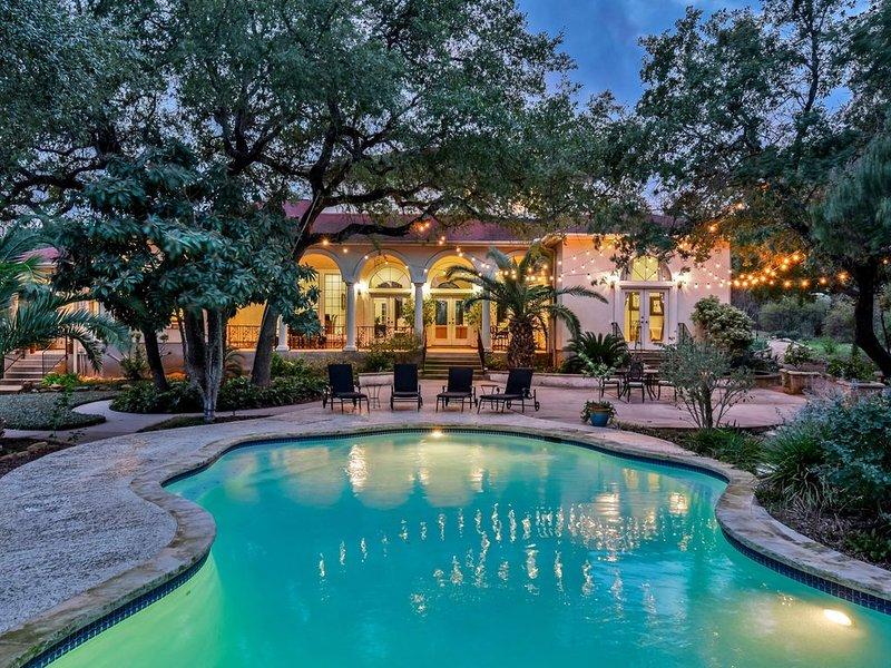 4000+ sq ft Mediterranean Home w/Amazing pool & Outdoor space, location de vacances à Georgetown