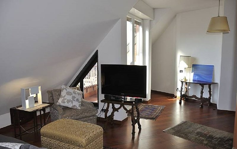 Milano elegante appartamento in affitto 2-3 pax, vacation rental in Novegro