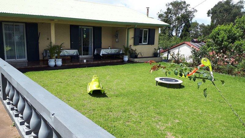 Villa idéal pour vacance en famille , wifi, BBQ avec  grande cour, alquiler vacacional en La Plaine des Cafres