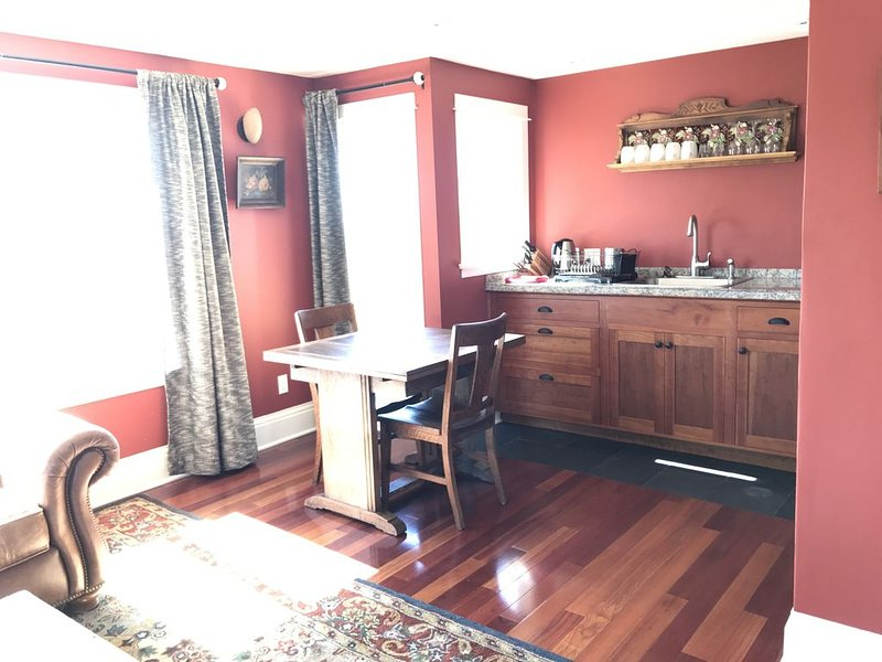 Awesome view retreat, terrific location, vacation rental in Arcata