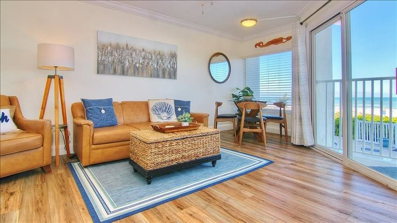 Tranquil Beachside Get-away just Minutes from Pier 60 and Clearwater Beach!, vacation rental in Belleair Beach