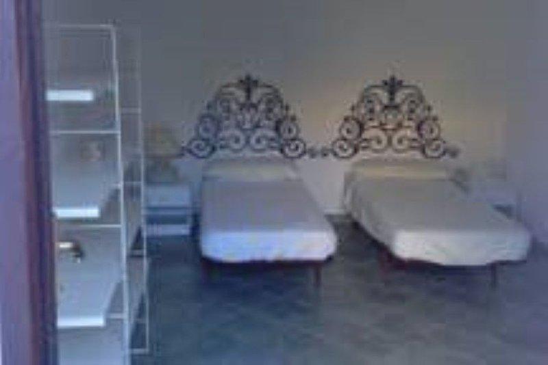 Villa in Sardegna 150 metri dal mare, vakantiewoning in La Pipara