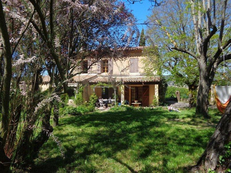le Mazette - authentique mas provençal, 4 chambres ,9 personnes, holiday rental in Plan-d'Aups-Sainte-Baume