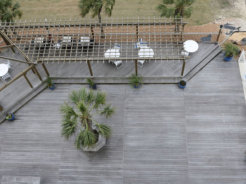 Top Shelf 702 - 50ft Boat Slip Included, holiday rental in Beaufort