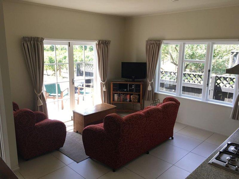 Tuki Vineyard Cottage - luxury one bedroom villa overlooking vineyard, alquiler de vacaciones en Havelock North