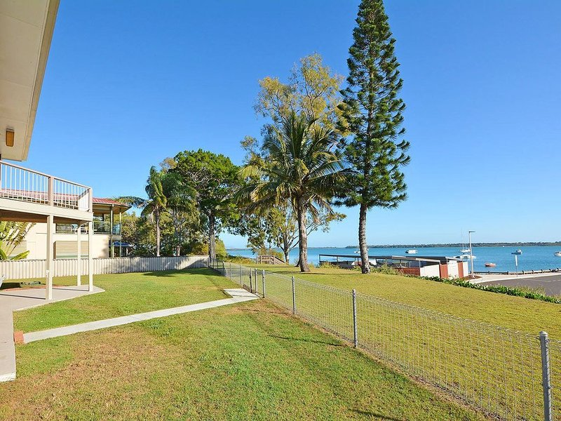The Beach Shack- Burrum Heads- Riverfront-5BR-Close to Boat Ramp, holiday rental in Burrum Heads