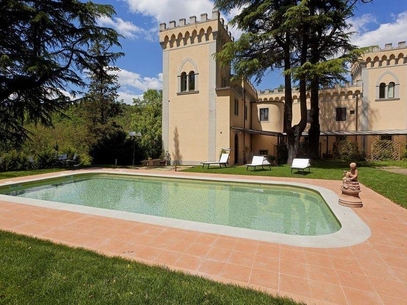 Apt Edera in villa nel Chianti, 2 camere,  2 bagni, terrazze, piscina e giardino, holiday rental in Tavarnuzze