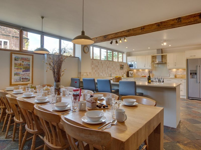 Hawkridge Oast - Five Bedroom House, Sleeps 12, location de vacances à Headcorn
