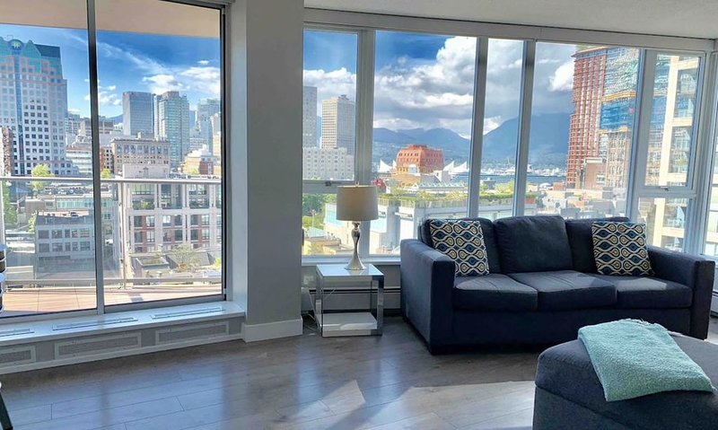Gorgeous  Views, Downtown , 2 Free Parking, holiday rental in Vancouver