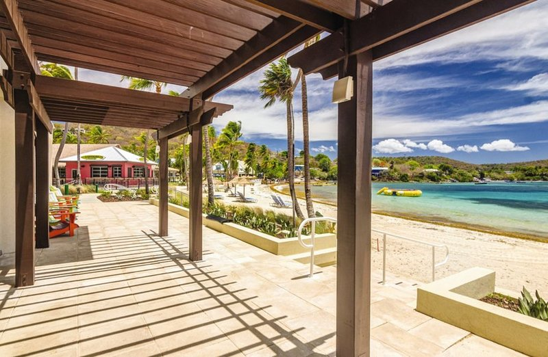Tropical Condo Close to the Beach!, vacation rental in Tutu