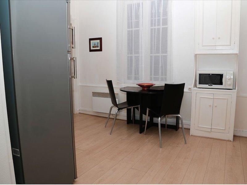 Jolie Maison de Charme - Honfleur, location de vacances à Pennedepie
