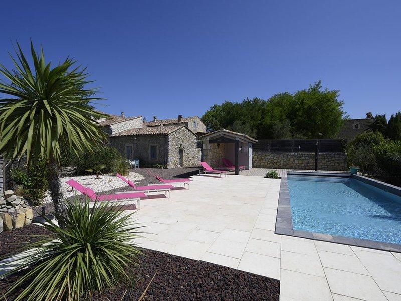 Bergerie 7ch, Lussan (Uzès), piscine, holiday rental in Mejannes-le-Clap