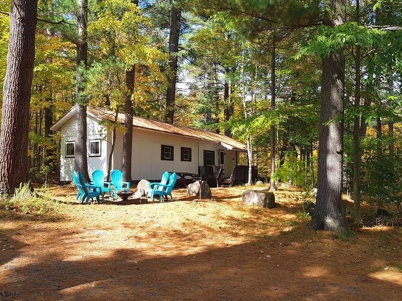 Budget Rustic Family Cabin, holiday rental in Wilmington