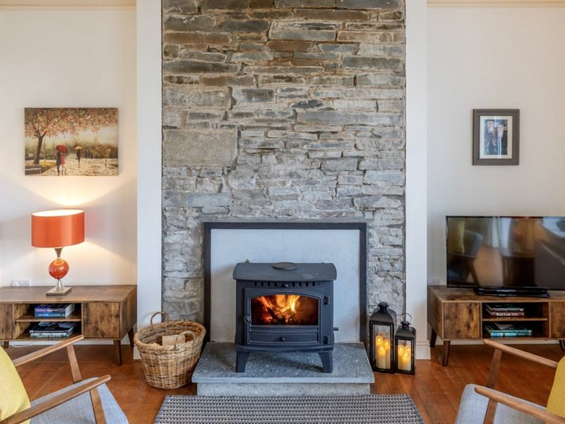 *NEW* The Old School House, Moymore, Lahinch, Co Clare, holiday rental in Lahinch
