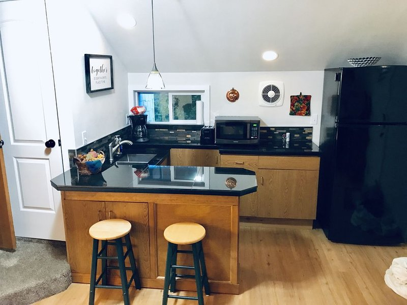LUXURY TWO BEDROOM STUDIO, location de vacances à Sublimity