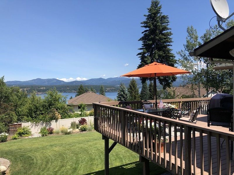 **Beautiful Hayden Lake View Home** Great Central Location!!!, vacation rental in Rathdrum