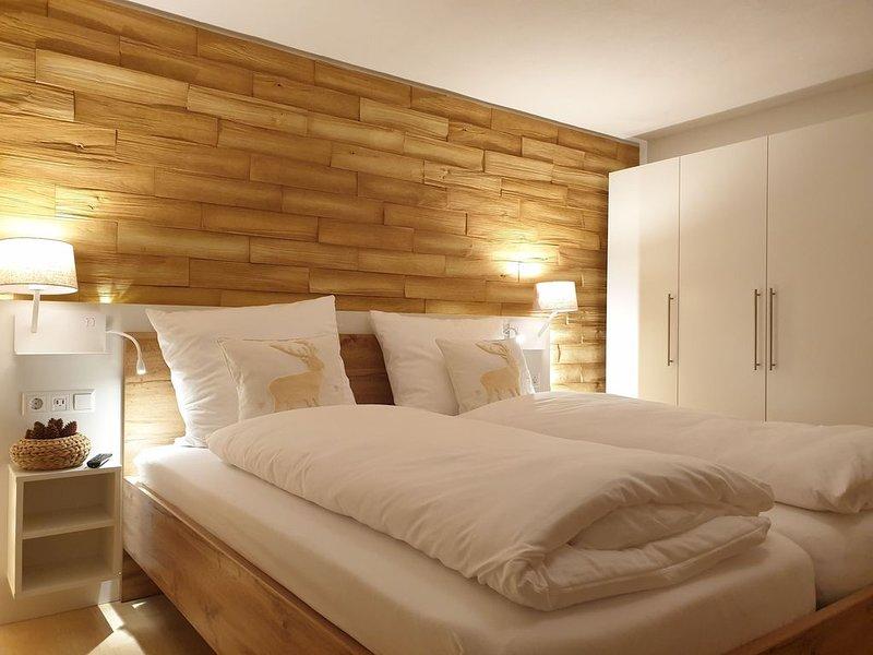 Ferienwohnung, 98qm, Terrasse, 2 Schlafzimmer, max. 6 Personen, vacation rental in Endingen