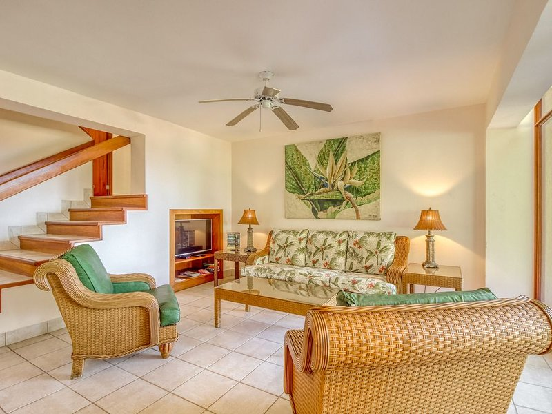 Ocean view resort villa, shared pool and beach access!, vacation rental in Playa Matapalo
