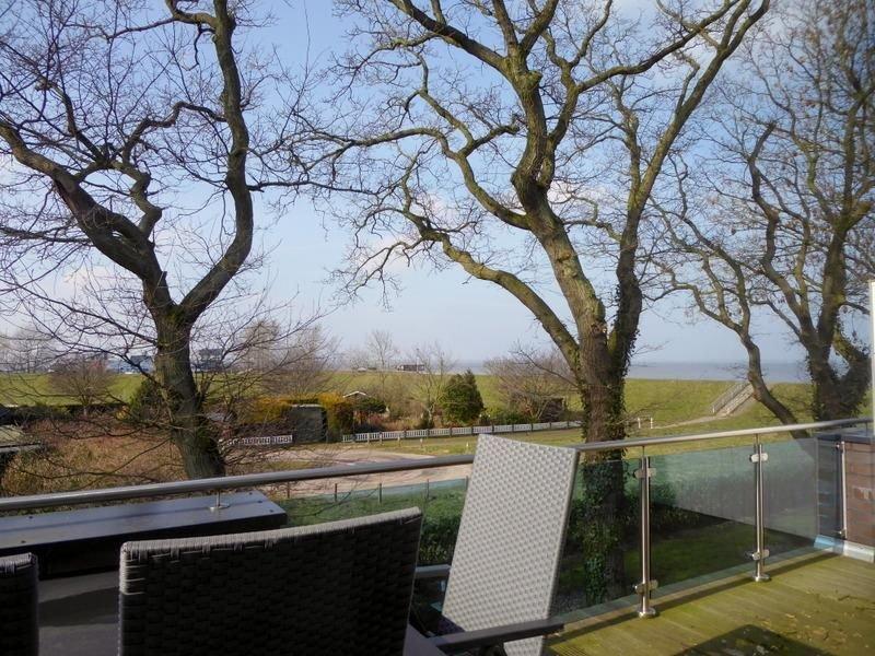 Haus Strandidyll Penthouse Auf der Gast 38e, 75qm, holiday rental in Schweiburg