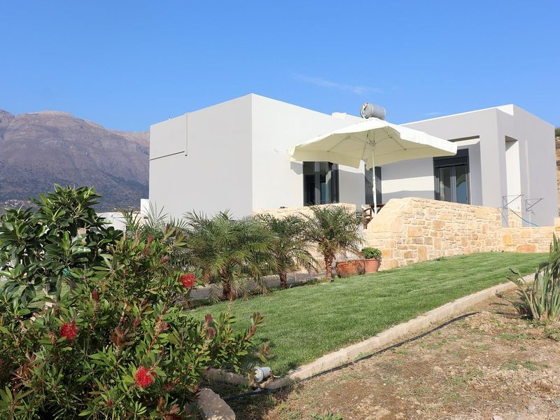 Weiter Blick auf Landschaft und Meer, Pool, 4 Pers., location de vacances à Xilokampos