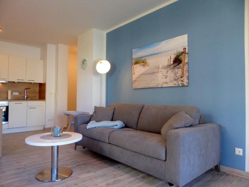 Genießen Sie Ruhe und Erholung im Apartment Strandläufer - dieses Domizil im Erd, holiday rental in Schweiburg