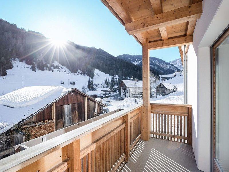 Idyllisches Apartment Kronplatz mit Balkon, Garten und WLAN; Parkplätze vorhande, Ferienwohnung in La Villa