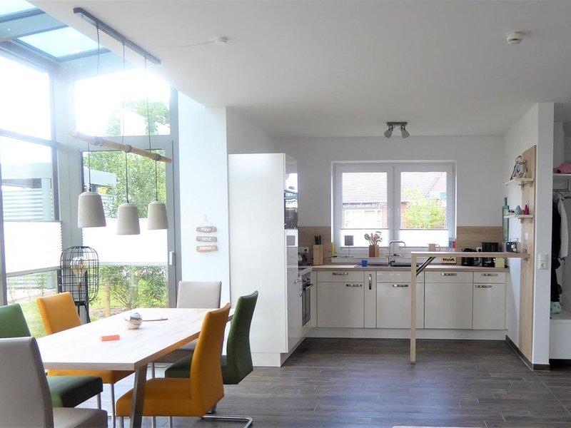 MOIN und herzlich Willkommen in unserem gemütlichen, familienfreundlichen Fehnhu, holiday rental in Schweiburg