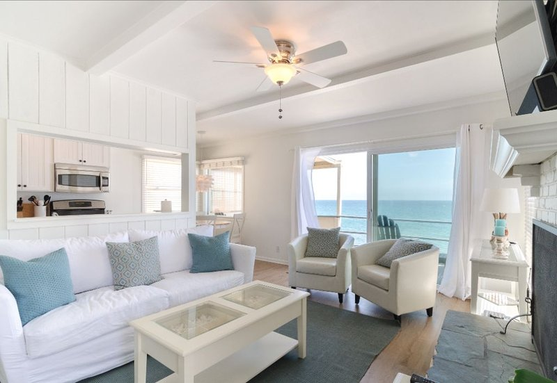 Malibu Carbon Beach Oceanfront Suite Three, holiday rental in Malibu