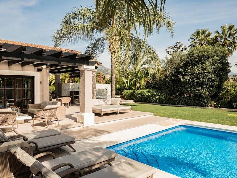 Casa Ceria 12 ospiti WiFi Piscina, alquiler de vacaciones en Cerdeña