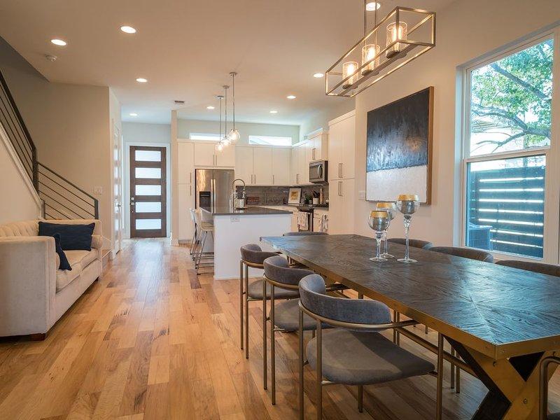 Beautiful New Home Downtown SXSW ACL F1 HQ, holiday rental in Cedar Creek