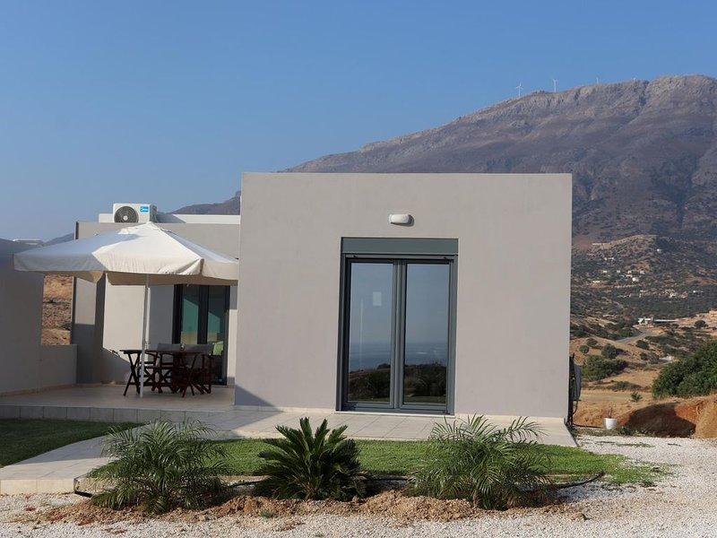 Weiter Blick auf Landschaft und Meer, Pool, 4 Pers., vacation rental in Triopetra