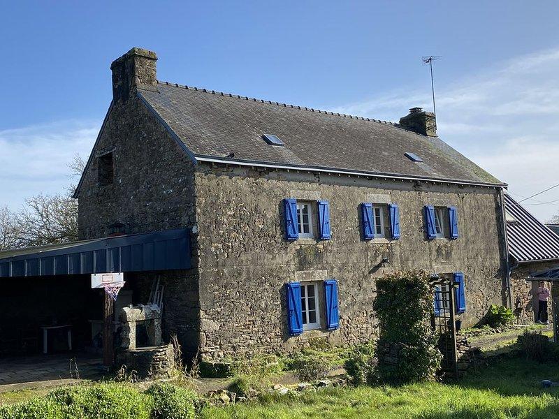 Maison en pierre 6 personnes - Au calme, en campagne. CLOHARS-CARNOËT, vacation rental in Quimperle