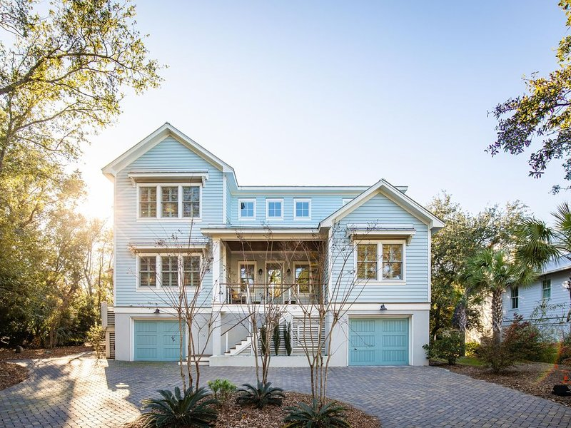 'Brighton House' 200 yds to Beach - Beautiful Home, Private Plunge Pool!!, holiday rental in Isle of Palms