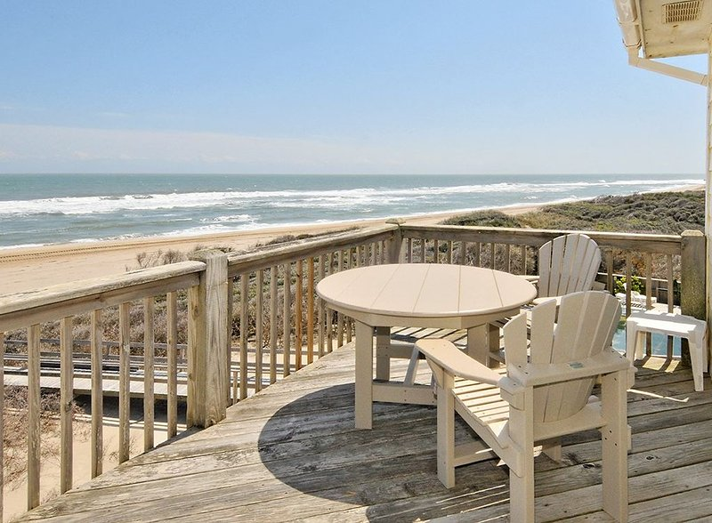 Starlights 3 - OCEANFRONT, Extraordinary View!, holiday rental in Buxton