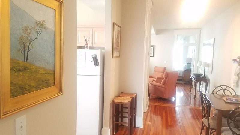 Historic 2 Bedroom Downtown Roanoke WALK TO EVERYTHING! I, location de vacances à Cave Spring