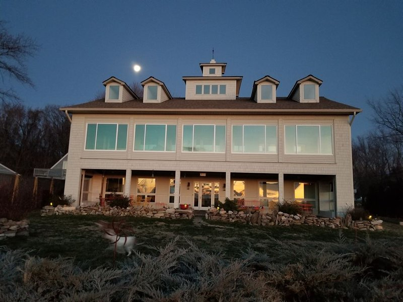 Chesapeake Bay Waterfront ARTectural Home, holiday rental in Centreville