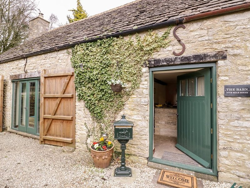 Five Mile House Barn, CIRENCESTER, holiday rental in Colesbourne