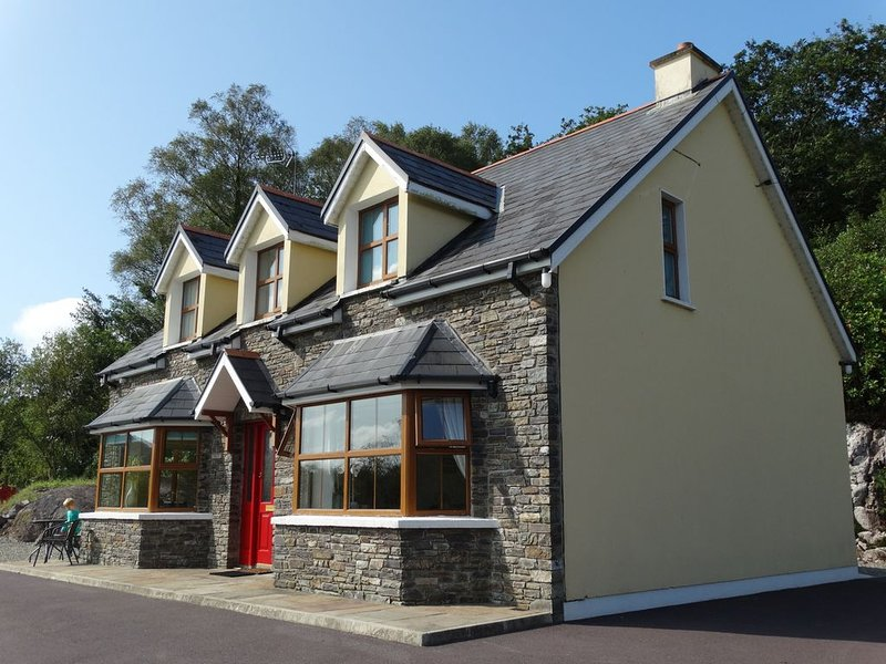 The River House, Nature Reserve Glengarriff, holiday rental in Glengarriff