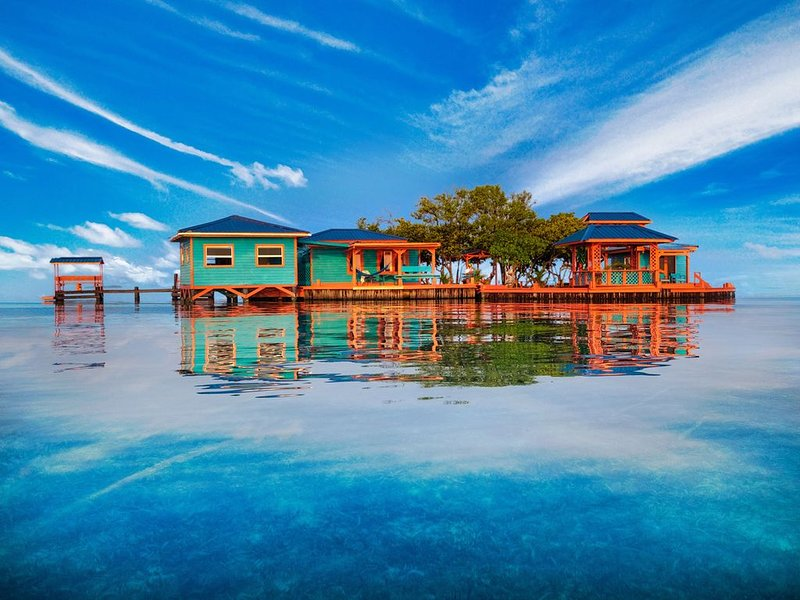 Bird Island - a unique private island in Belize, aluguéis de temporada em Stann Creek