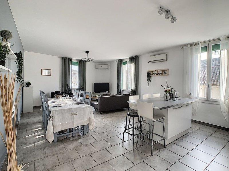 Luxueux appartement 100m2 en Provence avec terrasse, location de vacances à Eyguières