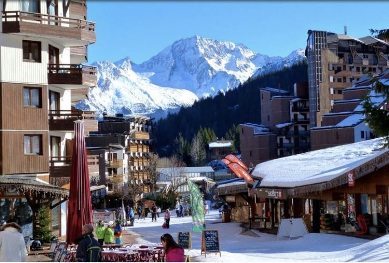 5 to 7 beds appartment - ski in —— Appartement 5 à 7 couchages - ski aux pieds, holiday rental in La Tania
