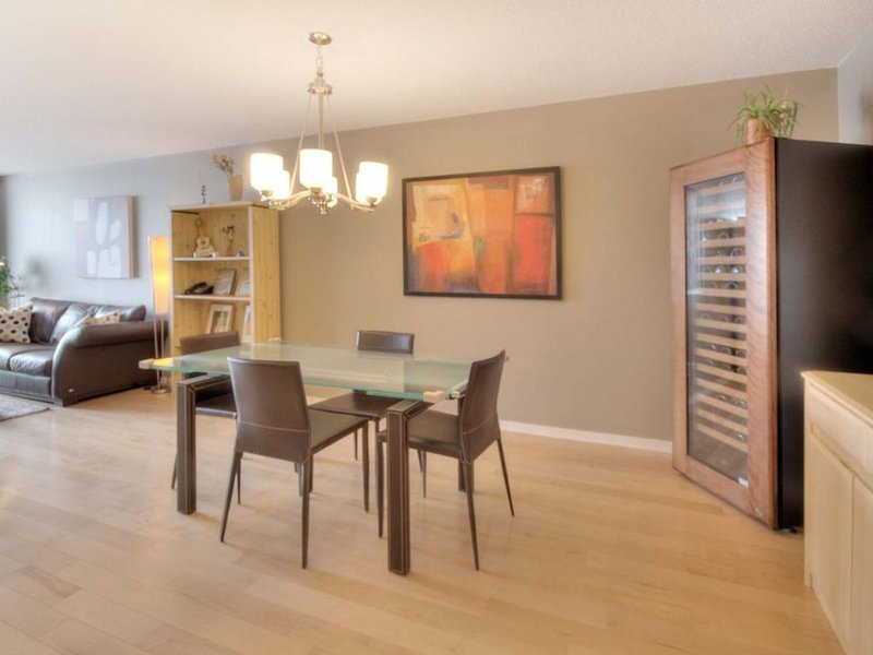 Beautiful apartment in the heart of downtown, vacation rental in Westmount