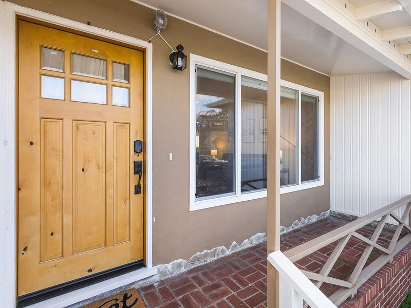 ⭐️Quiet 3bd⭐️Beach�/SF/Freeway/Food�FREE PARKING, vacation rental in Pacifica